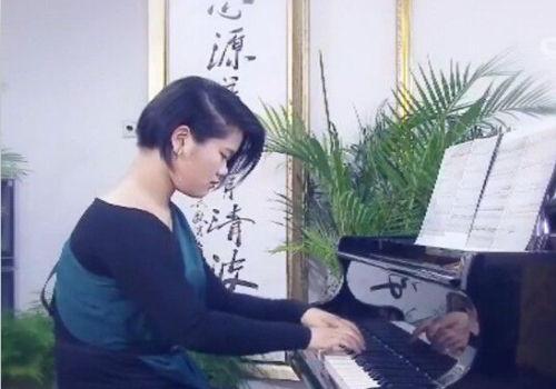 毕福剑18岁女儿近照曝光(组图)