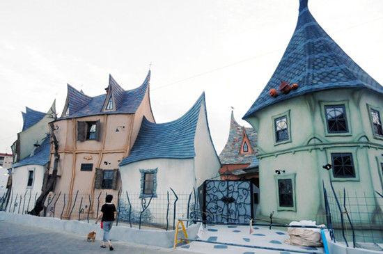 """日本建成逆天""""魔法城堡"""""""