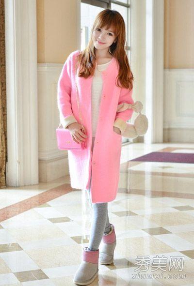 粉红色呢子大衣