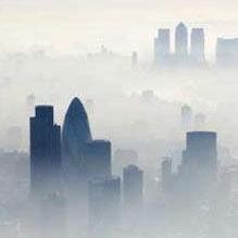 今年雾似去年浓
