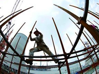 发改委:中国经济困难比预想多 结果比预想好