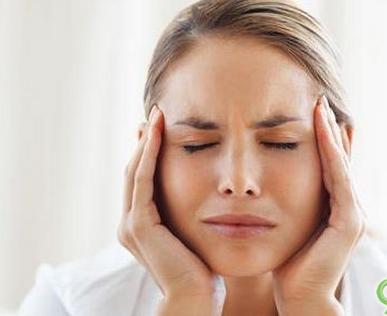 女性肌肤严重缺水的表现