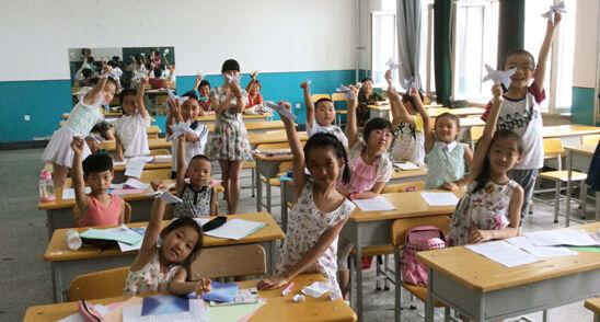 """诵国学,练口语,41名小学生林大开""""小灶"""""""
