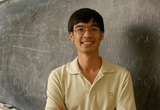 华裔数学家陶哲轩,他的IQ达到230,远超过爱因斯坦,被称为是史上最聪明的人。(图片源自维基百科)