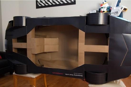 西雅图设计师制作超逼真纸制兰博基尼模型