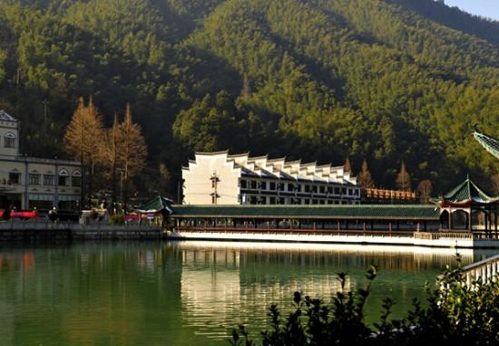 九龙山国家森林公园,坐落在蓟县城东穿芳峪境内.