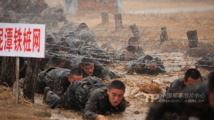 特种部队训练猛照 逼真残酷才出精兵
